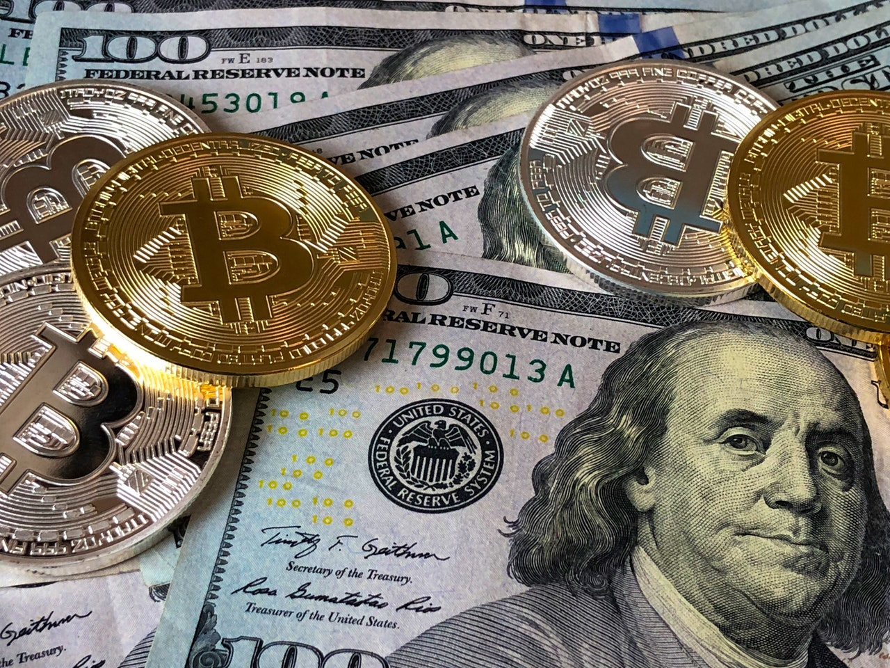 cryptocurrency and USD